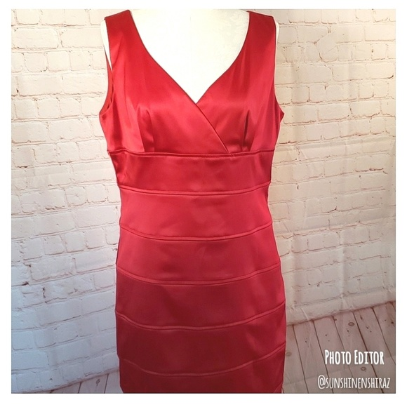 Ronni Nicole Dresses & Skirts - ■Ronni Nicole■ (16) Red Satin Dress